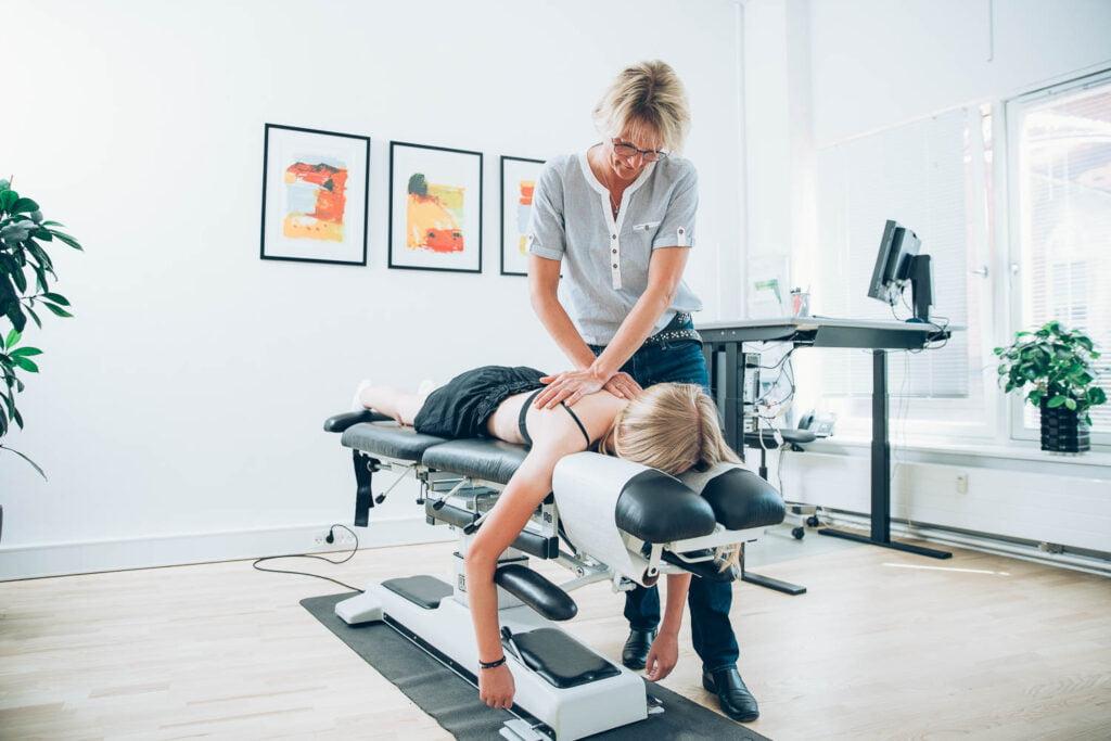 Hjemmesidedesign til kiropraktisk klinik Hartvigsen & Hein